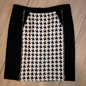 Kenneth Cole Black and White patterned miniskirt